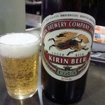49171313 - 生ビールもあるのですが、アスカさんでは瓶ビール大(500円)を注文します