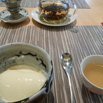 中國菜 心香 - マンゴープリンのココナッツソースのせライチ紅茶付き