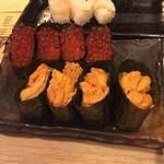 神楽坂すしアカデミー - 最初のウニイクラ(^∇^)