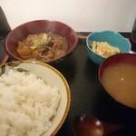 49177502 - 牛すじ煮込み定食500円。安いし味は良いがボリューム不足
