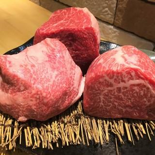極上な唐津産の希少部位佐賀牛と和豚もち豚を味わえるお店。
