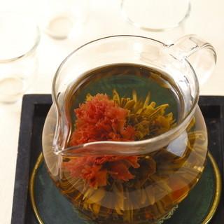 目にも美しいドリンク~健康茶~