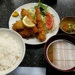 49180924 - ミックスフライ定食1000円