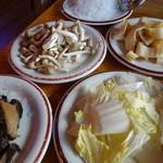 中国茶房8 - 火鍋具材