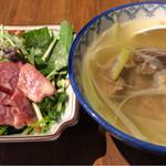 49185190 - サラダとテールスープ
