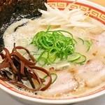 二刀流 - 料理写真:極とんこつラーメン 780円