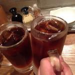 49186530 - 黒ウーロンハイで乾杯!