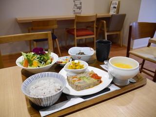 ハナナ - 花菜ごはん1400円(税別)ここにデザートとドリンクつきます