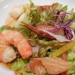 49191787 - ランチ:スペシャル 前菜盛合せ シーフードマリネのサラダ