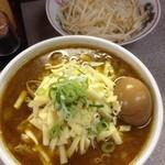 仲間 - 味噌かれーらーめん+豚、野菜(中)