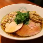 麺屋 六感堂 - 2番人気しょうゆ蕎麦