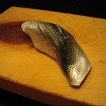 重寿司 - 小鰭。
