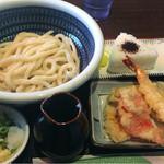 つる一製麺 - えび天ぶっかけ麺小(630円)。