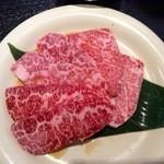 名門 - 上カルビセットの肉
