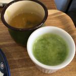 ピピテーブル - 奥スープに手前スムージー