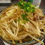 麺じろう - 2011年11月11日焼肉ラーメン700円