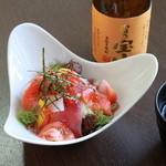 もてなし 源旬や - 旬菜の海鮮サラダ 620円