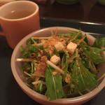 OMISE - サラダ+たまねぎのスープ