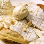 カフェラウンジ コロン - COLON特製リコッタパンケーキ