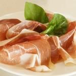 Pizzeria Bakka M'unica - イタリア産ハムの盛り合わせ
