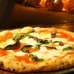 Pizzeria Bakka M'unica - マルゲリータ(パルミジャーノ仕上げ)