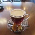 カフェ ゼルコバ - ドリンク写真:泡立ちコーヒー