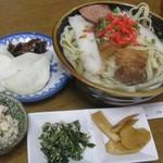 みなと食堂 - 沖縄そば500円