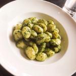360 イタリアン レストラン - バジルのニョッキ