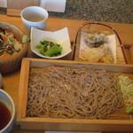 菜な - せいろ蕎麦と手桶寿司、旬の天麩羅添え