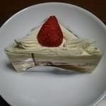 49242651 - いちごのショートケーキ。