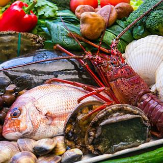 中央市場で仕入れる鮮度満点の海鮮素材!