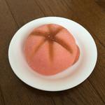 NOIX - 赤い帽子パン