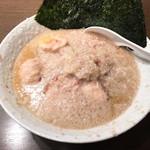 ブッチャー - ブッチャー麺 鬼脂(690円)+味玉(120円)