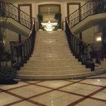 4926057 - ロビー正面のエレガントな階段