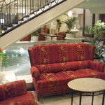 4926059 - フロント前のソファー
