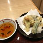 つるはん - 野菜の天ぷら(ナス、ピーマン、ブロッコリー、さつまいも)