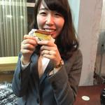 三上貫栄堂 - 自分で持って来て食べるのね!笑