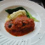 パンチーニ横浜 - 大山鶏もも肉のトマト煮込み