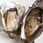 49268140 - 見た目からもわかるぷりっと焼き牡蠣