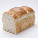 ボンジュール ボン - 玄米で作るヘルシー食パン、玄米食パン。