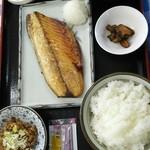市場食堂 大晃 - 鯖塩焼き定食