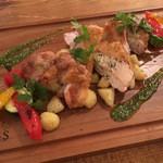 ヨーキーズブランチ - 淡路産鶏もも肉のグリル 地中海野菜添え