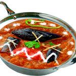 クリスナキッチン 本格インド・ネパール料理店 - 鶏肉とナスのカレー