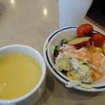 ステーキガスト - サラダとスープ