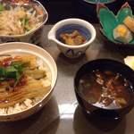 四季彩葉月 - 穴子丼