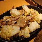 木山ダイニング - 塩昆布と豚バラの炒め物