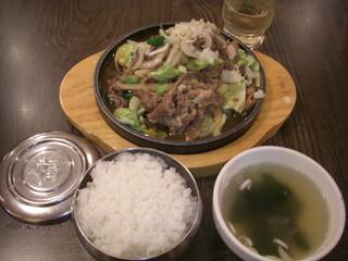 韓国家庭料理ジャンモ 津田沼パルコ店