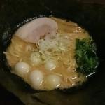 クリーミーTonkotsuラーメン 麺家神明 - チャーシューとんこつ、うずらトッピング