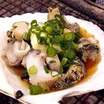 上野 アメ屋横丁 トロ函 - つぶ貝にんにく貝焼き