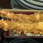 49305548 - 2016年4月。上天丼(車えび)2100円」。丼とありますが、お重です。